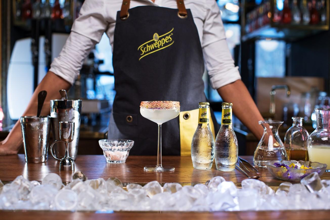 Linn Koch-Emmerys Salty Tonic & Tequila med Schweppes Tonic & Twist of Lime